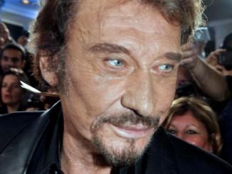 """Johnny Hallyday à l'enregistrement de """"Champs-Elysées"""" Date 19 October 2012 Source Own work Author Georges Biard"""