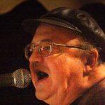 Sigi Maron (1944-2016) sang und spielte Gitarre