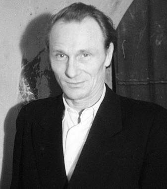 Ernst Busch